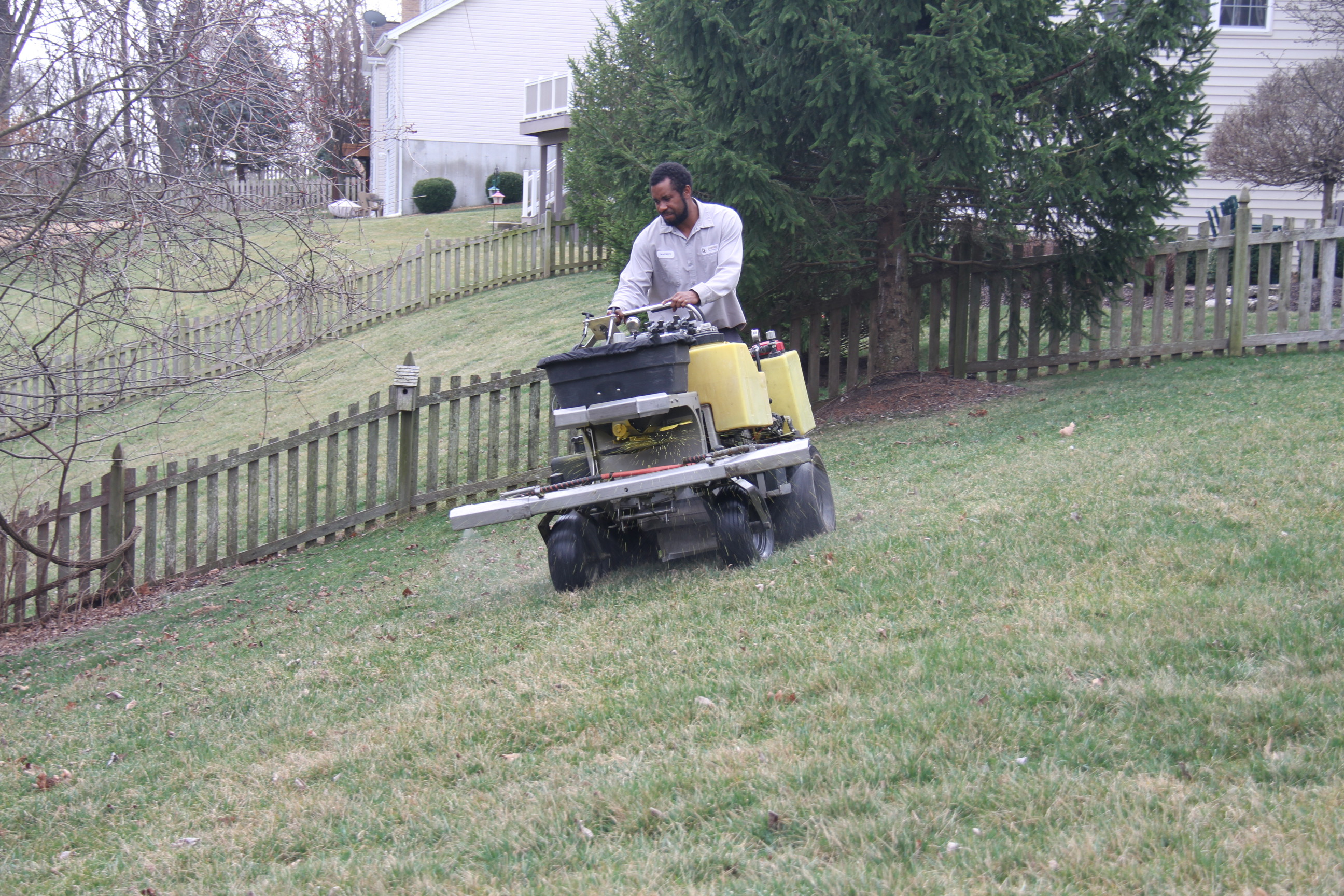 Spring Fertilization and Weed Control in St. Louis, MO